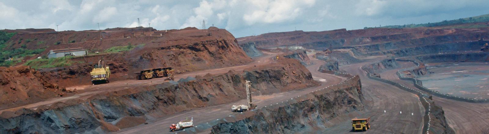 Blick auf einen Steinbruch in Brasilien, 2011.