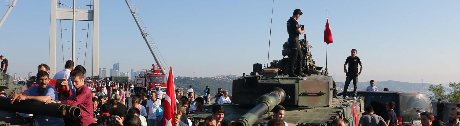 Bosporusbrücke nach dem Putschversuch am 15. Juli 2016
