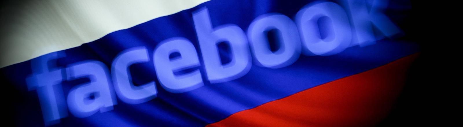 Fotocollage: Hinter dem Schriftzug Facebook weht die russische Flagge.