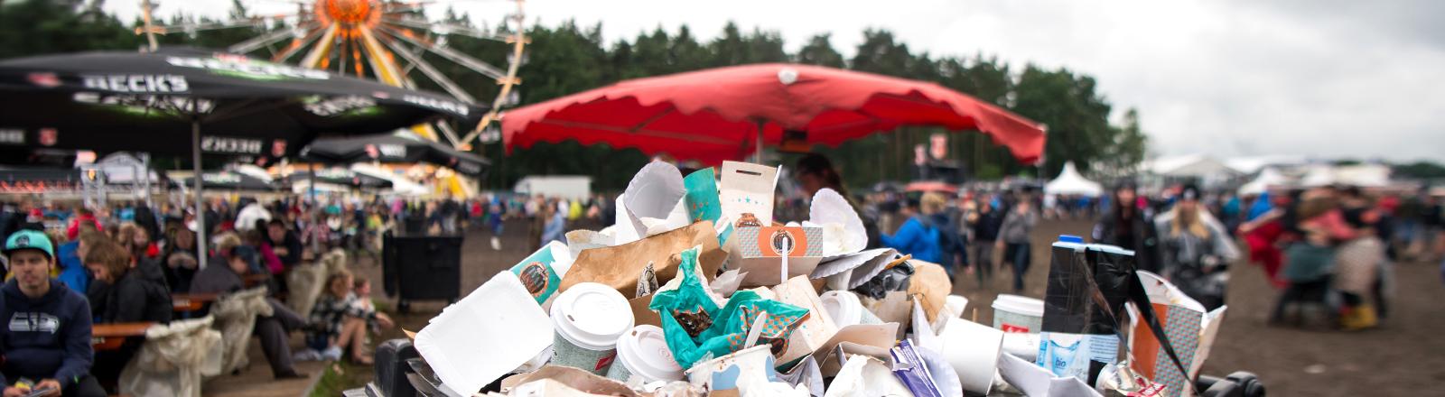 Müll beim Hurricane-Festival in Scheeßel, Niedersachsen