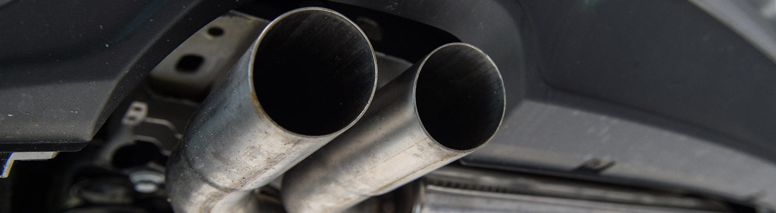 Auspuff eines VW Golf Diesel