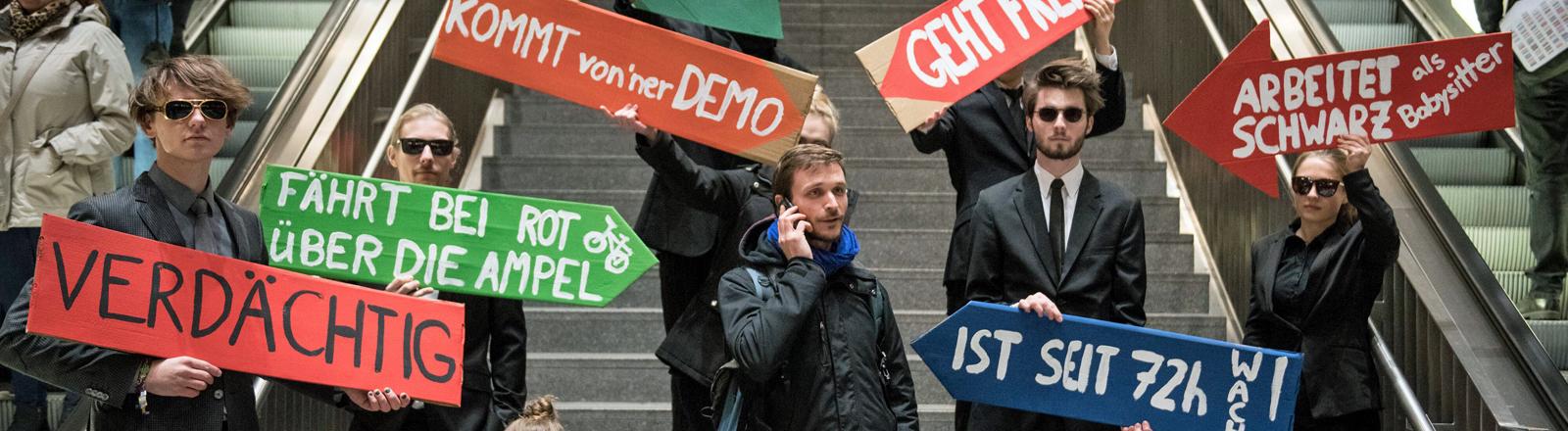 Aktion gegen Überwachung am Berliner Bahnhof Südkreuz.