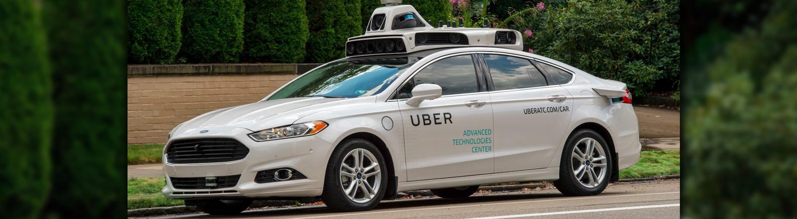 Eines des autonomen Autos von Uber - Testfahrzeug