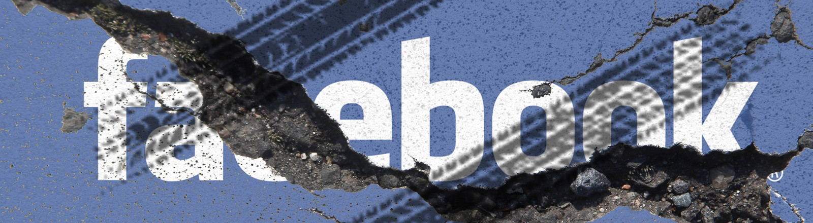 Der Facebook-Schriftzug vor einer rissigen blauen Wand, über dem Logo auch Reifenspuren