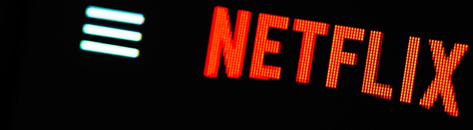 Netflix auf einem Monitor.