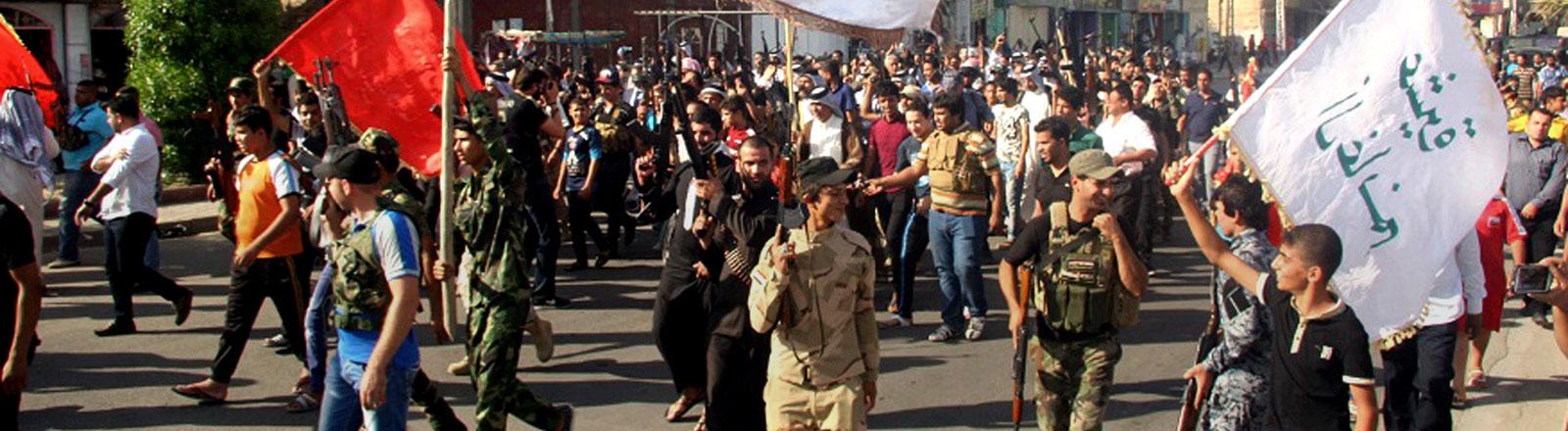 Schiitische Muslime demonstrieren in Bagdad gegen den Vormarsch der Isis-Truppen.