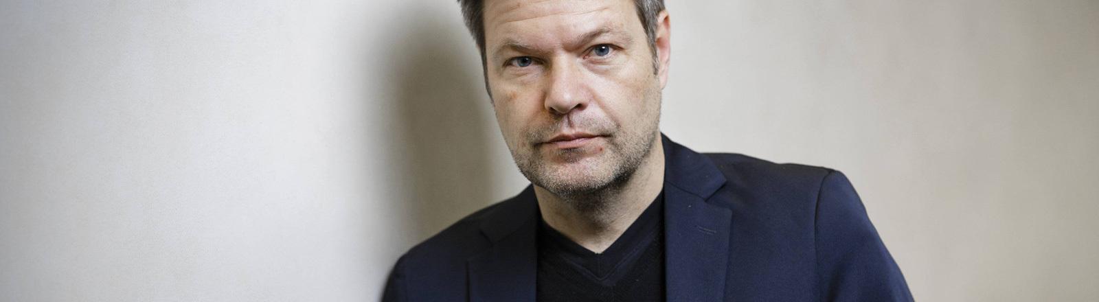 Portrait des Grünen-Politikers Robert Habeck.