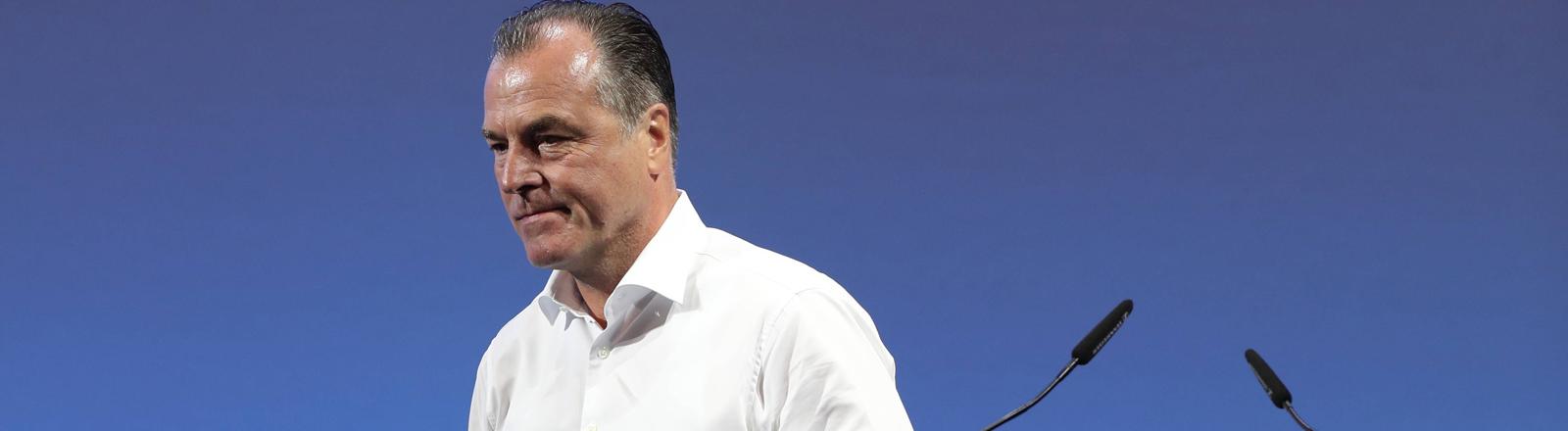 Clemens Tönnies bei der Mitgliederversammlung des FC Schalke 04 am 30.06.2019