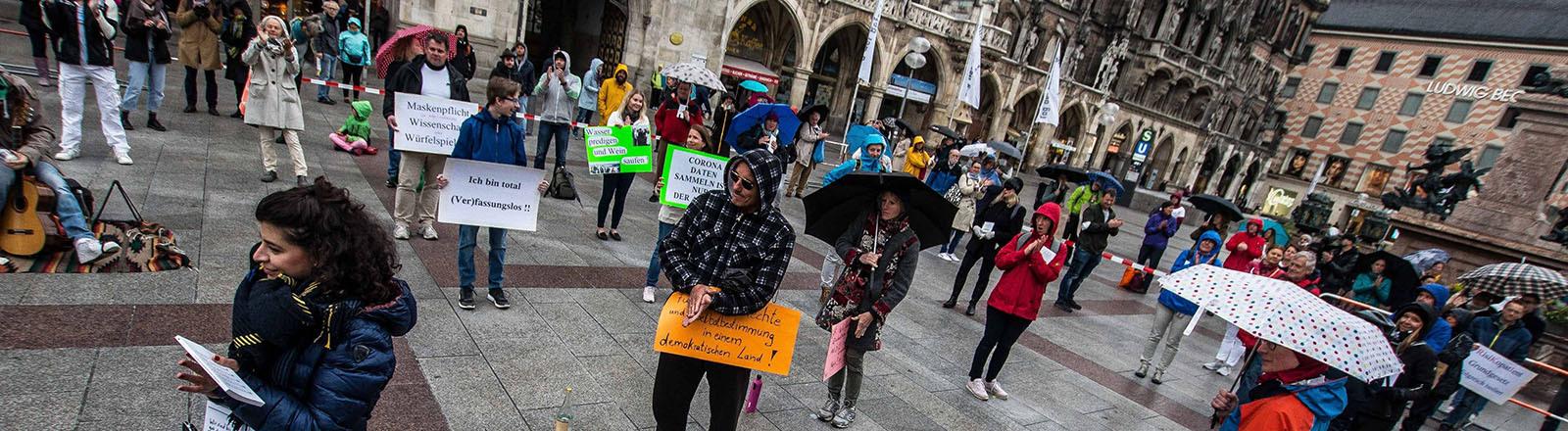 Protest in München gegen die Maßnahmen im Zuge der Corona-Pandemie (02.05.2020)