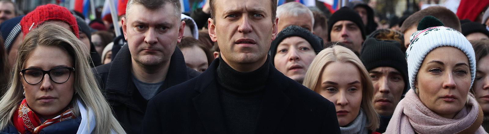 Der russische Oppositionspolitiker Alexej Navalny nimmt in Moskau an einem Trauermarsch zur Erinnerung an die Ermordung des Aktivisten Boris Nemzow teil. (29.02.2020)