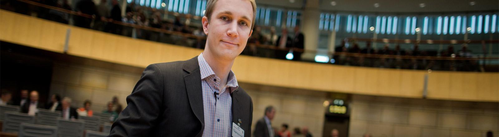Monheims Bürgermeister Daniel Zimmermann im Landtag von Nordrhein-Westfalen