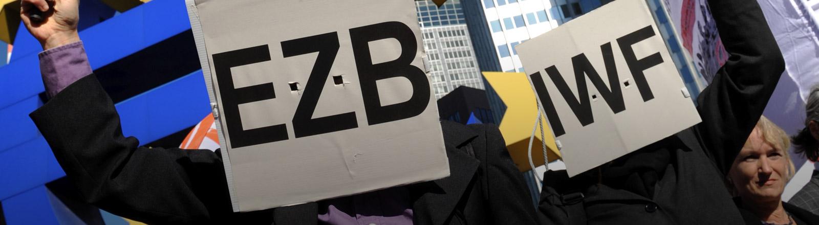 Demonstration gegen die Europäische Zentralbank und den Internationalen Währungsfonds