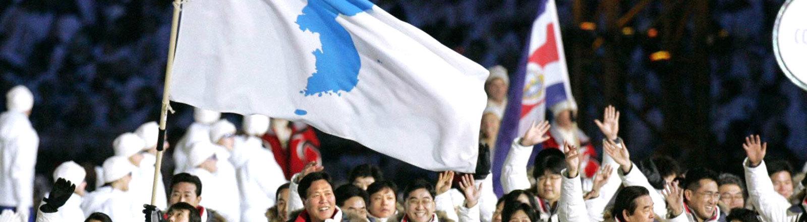 Sportler aus Süd- und Nordkorea bei den olypischen Winterspielen 2006 in Turin