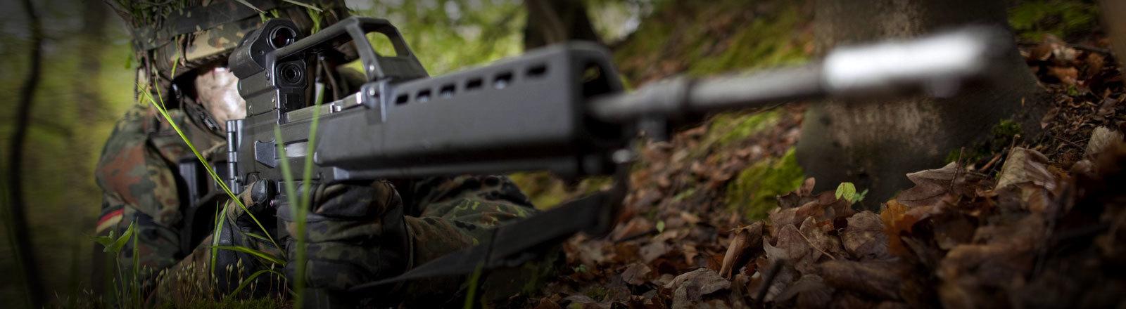 Ein Rekrut bei der Bundeswehr in der Ausbildung