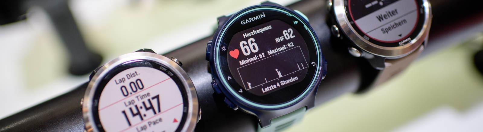 Drei Fitness-Tracker von Garmin