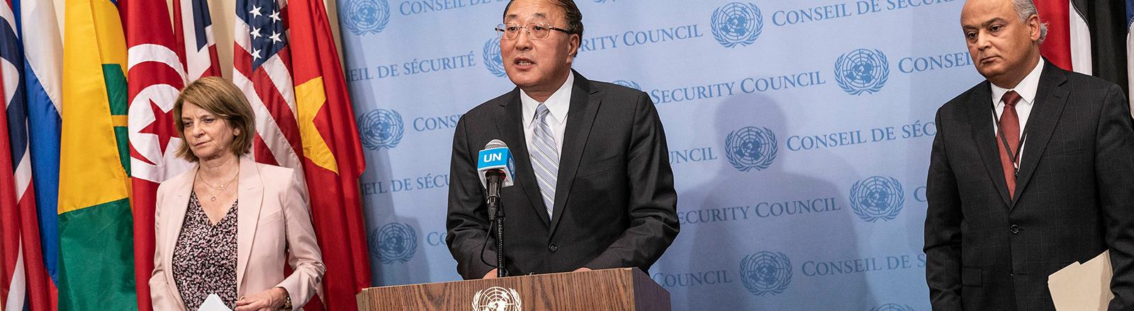 Bei einer Pressekonferenz spricht Zhang Jun, der ständige UN-Botschafter Chinas (16.05.2021)