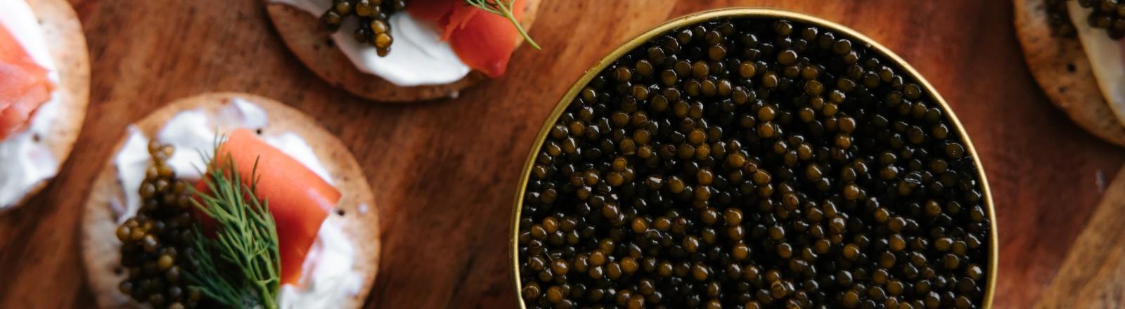 Eine geöffnete Dose Kaviar.