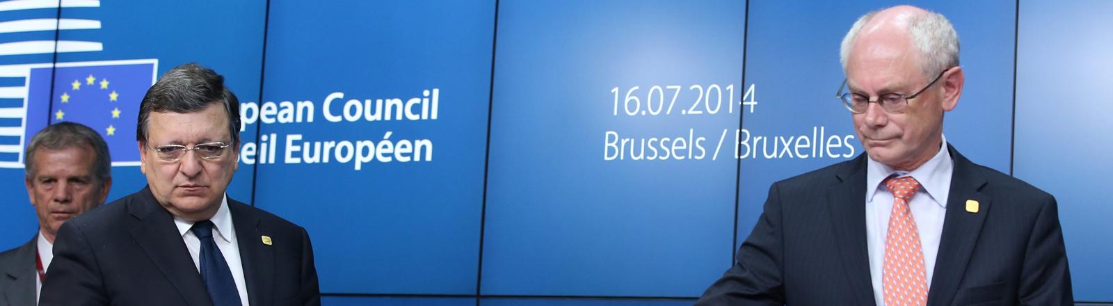 Jose Manuel Barroso (L) und Herman Van Rompuy (R) bei einer Pressekonferenz in Brüssel am 17 Juli 2014.