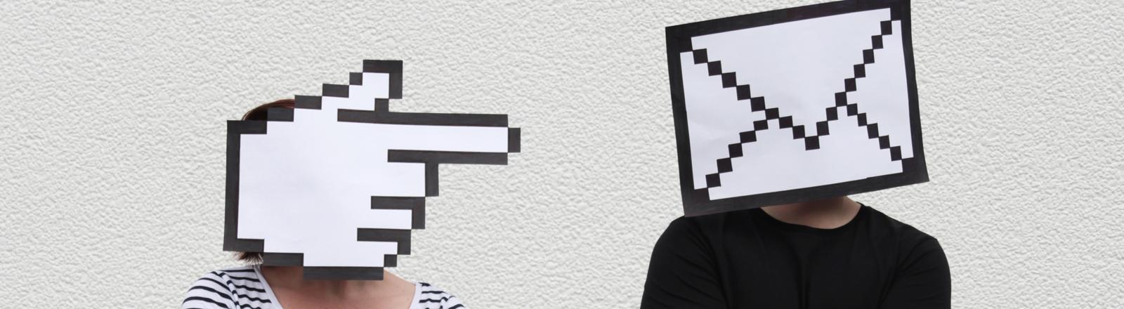 Frau und Mann mit Symbolen auf Kopf