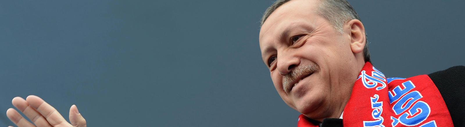 Recep Tayyip Erdogan während eines Wahlkampfauftrittes am 3. März 2014.