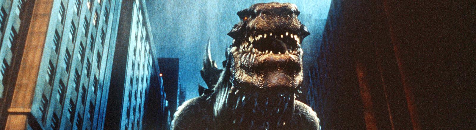 """Godzilla stapft durch New York - Szene aus der Neuverfilmung von """"Godzilla"""", dem neuen Hollywood-Film von Roland Emmerich."""