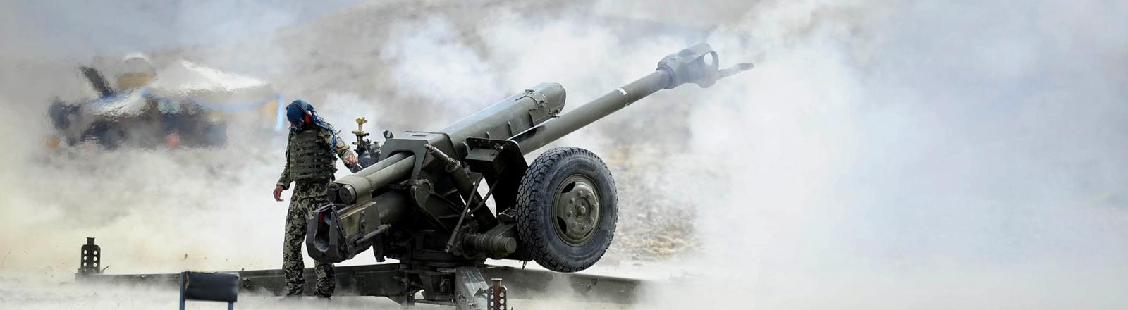 Afghanische Soldaten kämpfen in der Nangarhar-Provinz gegen den IS