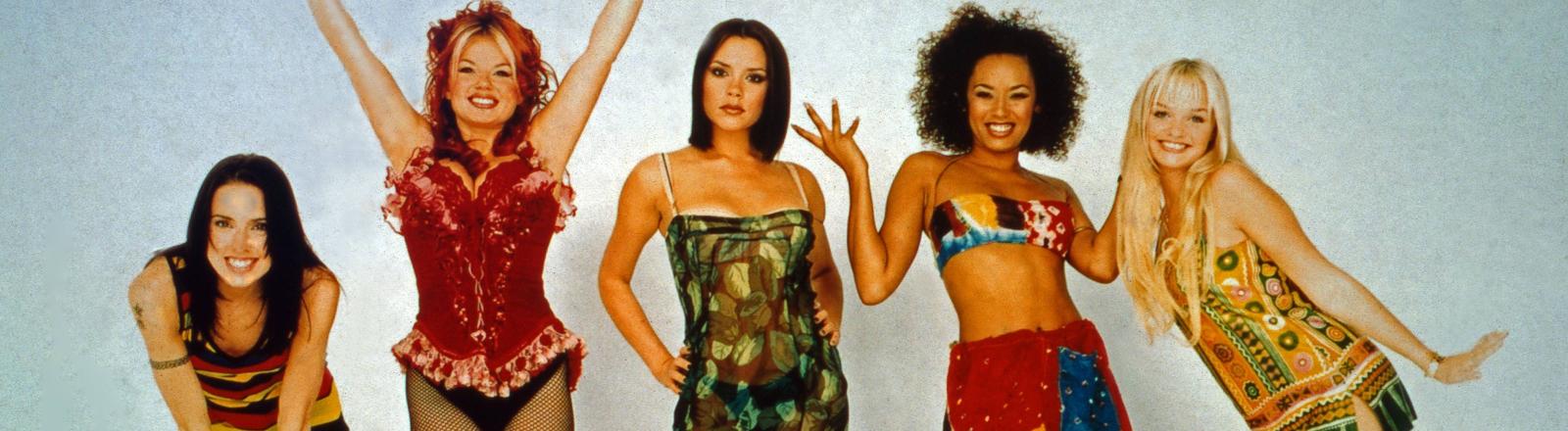Die Spice Girls sind wieder da: hier posieren sie noch in den 90ern