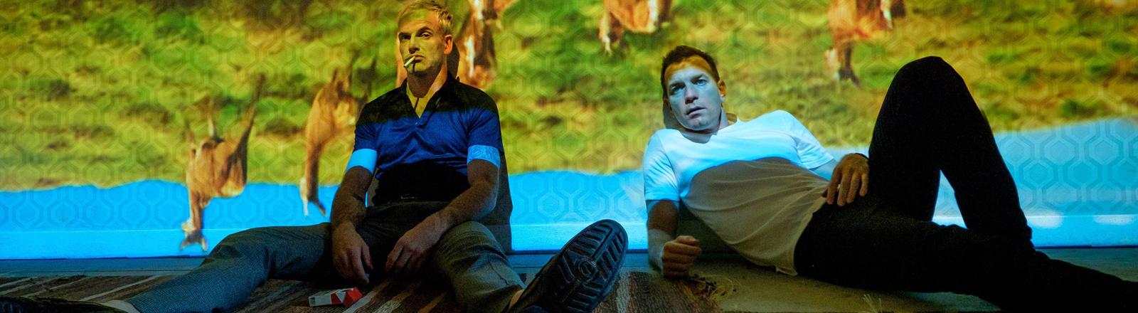 """Johnny Lee Miller (links) und Ewan McGregor in einer Szene aus """"T2"""""""