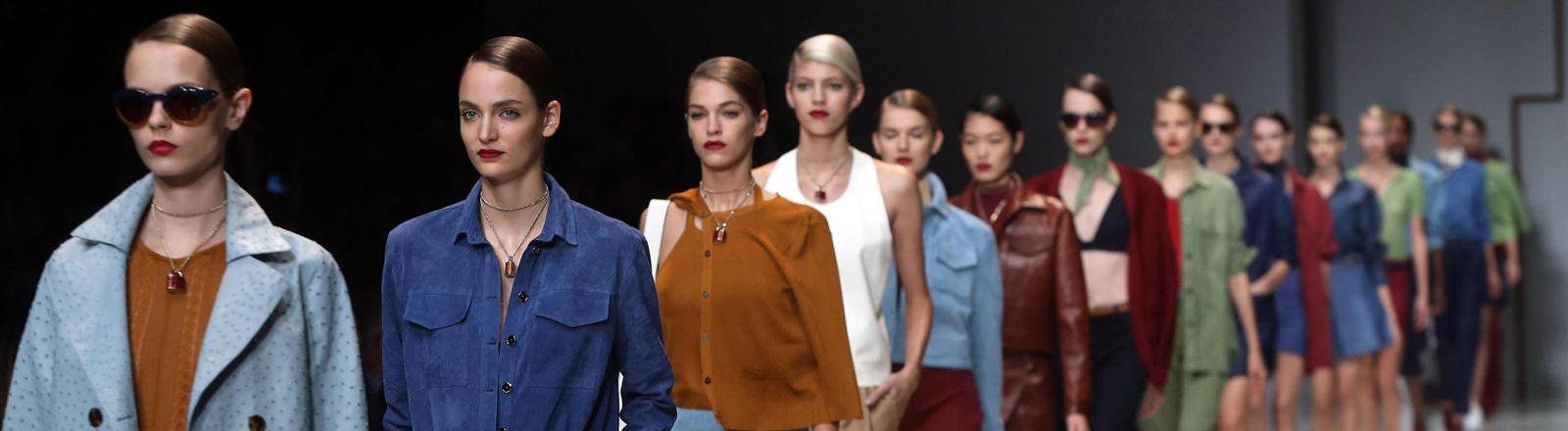 Die Spring/Summer-2015- Kollektion von Trussardi bei der Milan Fashion Week 2014
