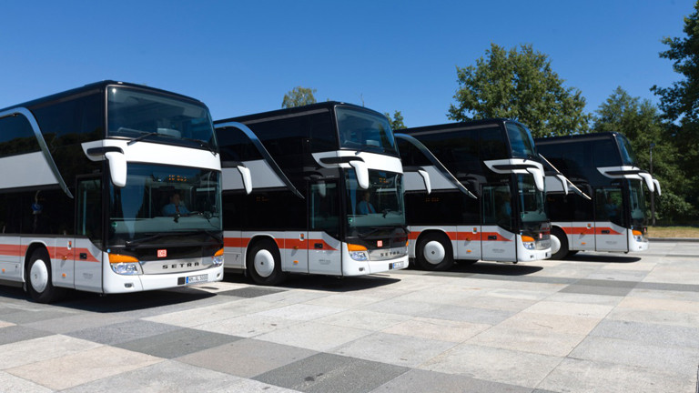 Busse aus der Fahrzeugflotte der Deutschen Bahn.