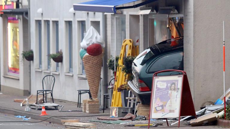 Im Juli 2015 war ein Auto nahezu ungebremst in eine Eisdiele gerast. Dabei kamen zwei Menschen ums Leben, neun weitere wurden verletzt.