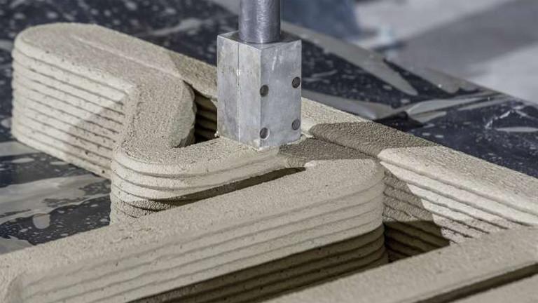 Betonwand entsteht aus dem 3D-Drucker