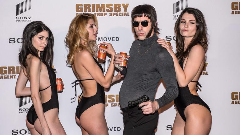 """Sacha Baron Cohen als tollpatschiger Geheimagent in """"Grimsby""""."""
