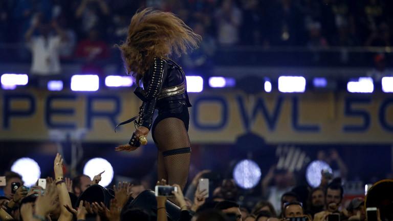 """Beyonce beim Super-Bowl-Auftritt mit dem Song """"Formation"""""""