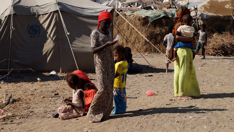 Kinder in einem Camp im Jemen