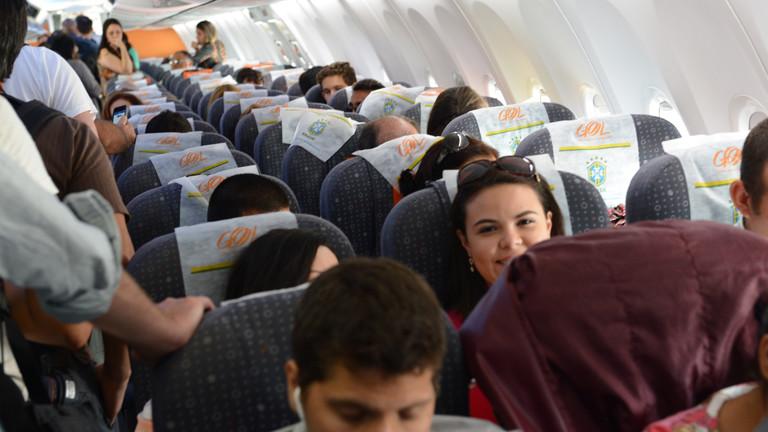 Ein Blick in ein Flugzeug der brasilianischen Fluglinie Gol, aufgenommen am 12.12.2013 in der Nähe der brasilianischen Stadt Manaus.