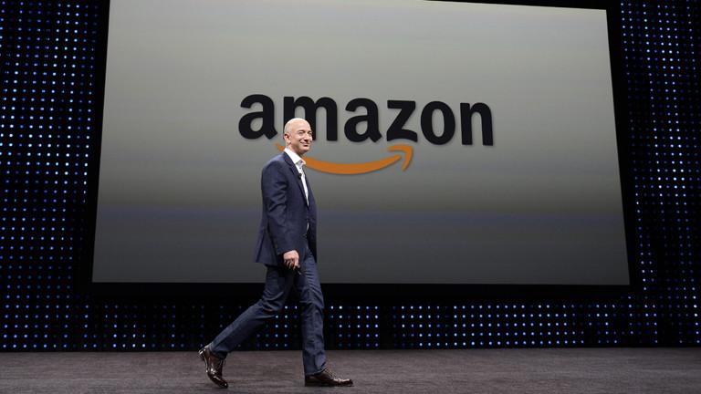 Jeff Bezos bei einer Pressekonferenz