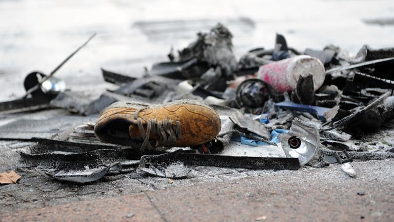 Spuren eines illegalen Autorennens in Berlin