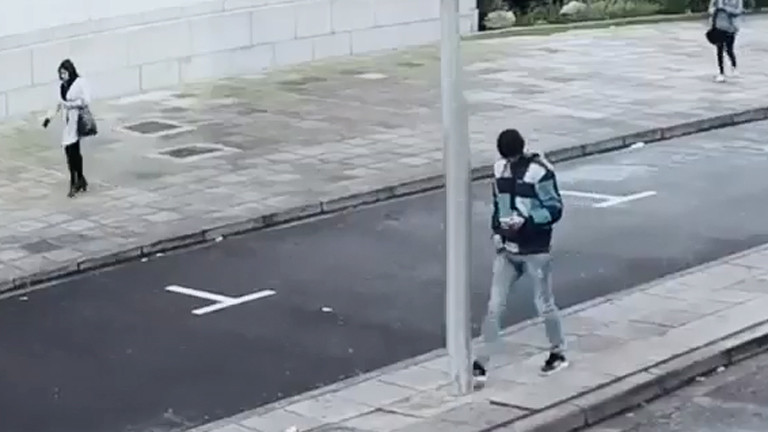 Don't text and walk
