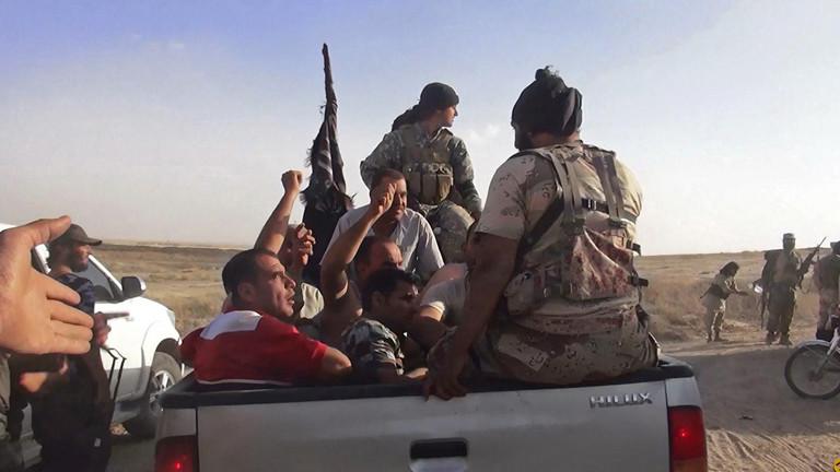 Dieses Bild aus dem Twitter-Account der islamistischen Albaraka News zeigt angeblich Isis-Kämpfer im Irak.