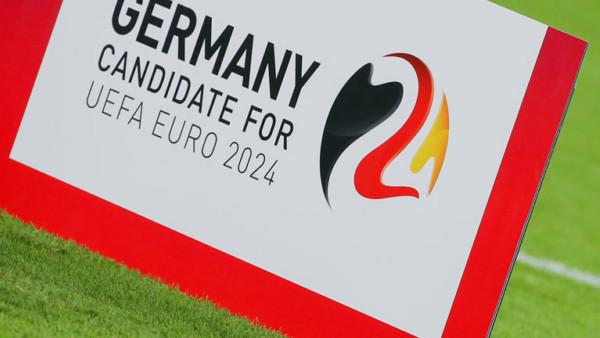 Plakat, die die deutsche Bewerbung auf die EM 2024 zeigt.