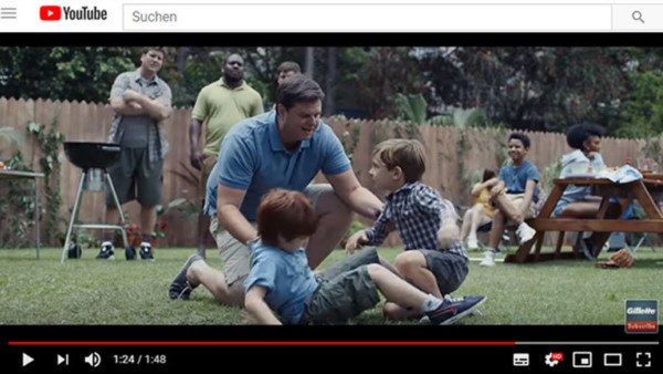 "Ausschnitt aus dem Gillette-Werbespot ""We Believe: The Best Men Can Be"" bei Youtube (Screenshot Deutschlandfunk Nova)"