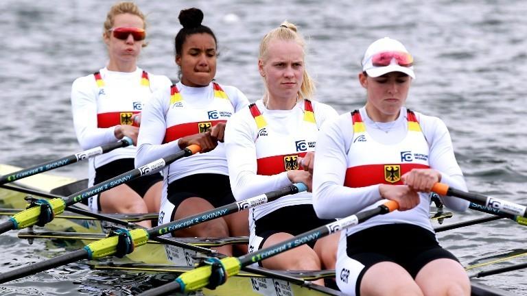 Das Doppelvierer Ruderteam der Frauen mit (von hinten nach vorn) Daniela Schultze, Carlotta Nwajide, Frieda Franziska Kampmann und Frieda Hämmerling