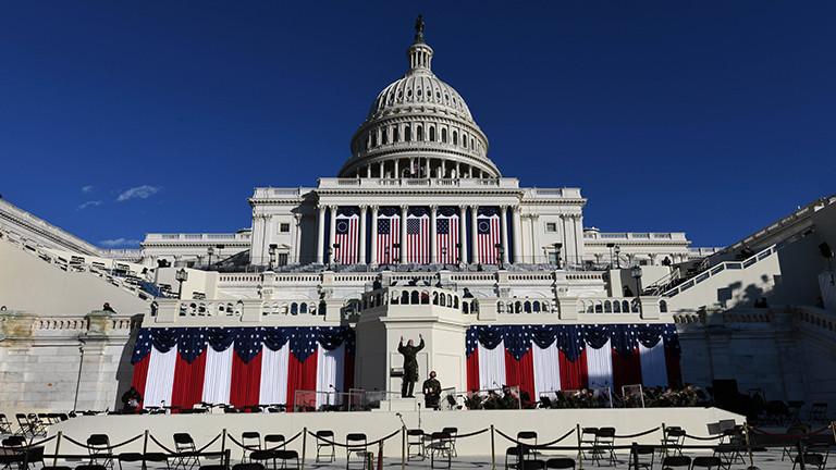 Rund um das US-Kapitol laufen die Vorbereitungen für den Amtsantritt von Joe Biden; hier wird er am 20. Januar seine Antrittsrede halten (19.01.2021)