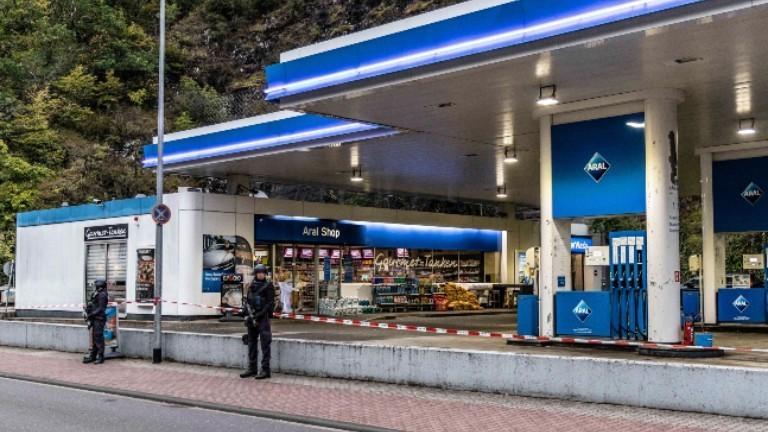 Die Tankstelle in Idar-Oberstein, in der ein Kassierer erschossen wurde