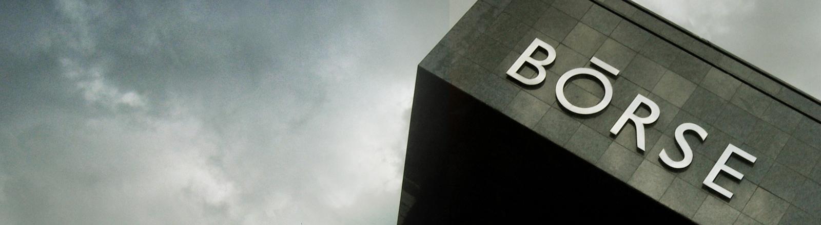 Ein Gebäude mit der Aufschrift Börse