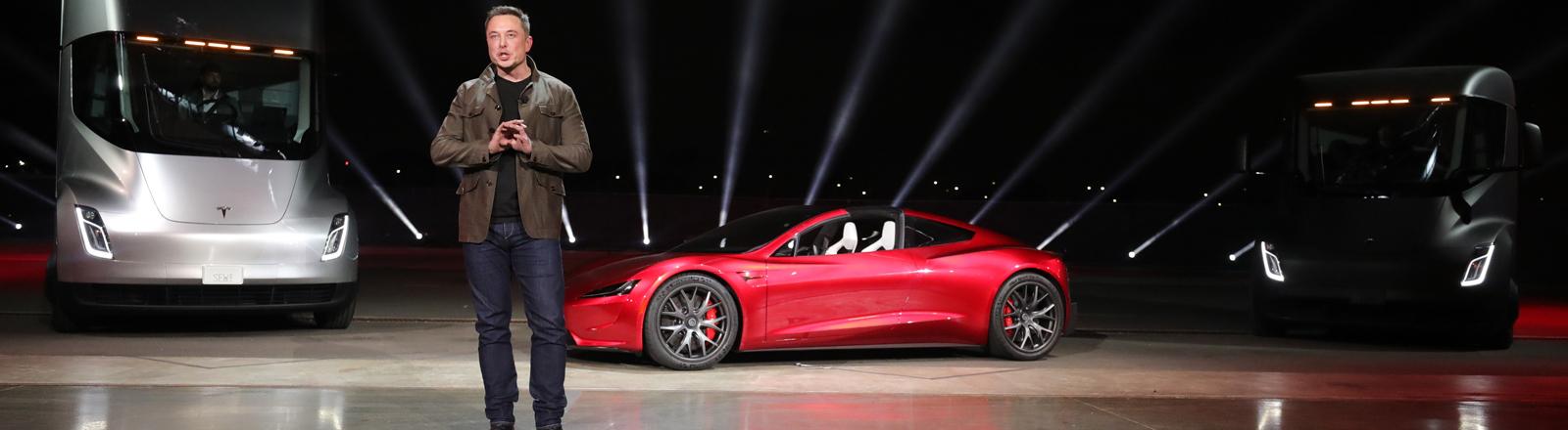 Elon Musk auf einer Tesla-Produktion