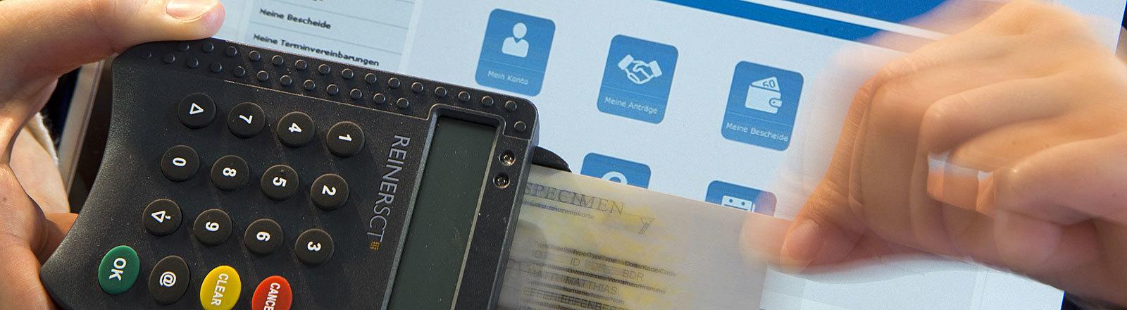 Ein Muster eines elektronischen Personalausweises wird in ein spezielles Lesegerät für den neuen Personalausweis gesteckt.