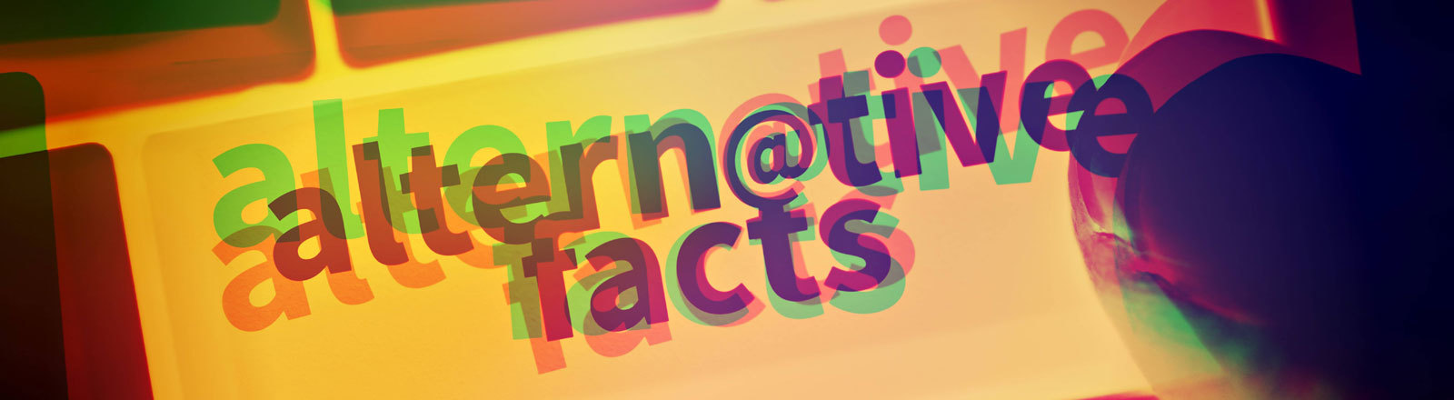 Schriftzug altern@tive facts verschwommen