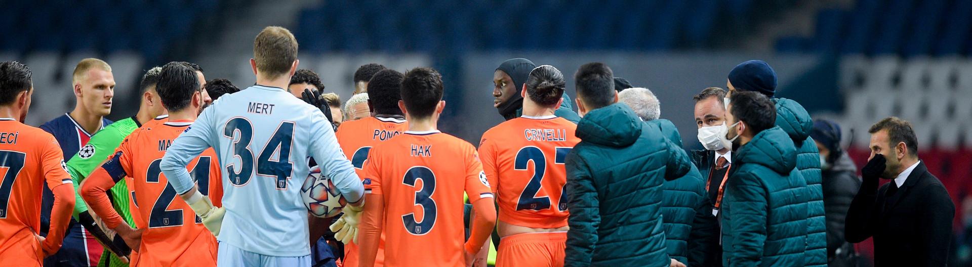 Rudelbildung beim Champions-League-Spiel zwischen Istanbul Basaksehir und Paris St. Germain am 08.12.2020